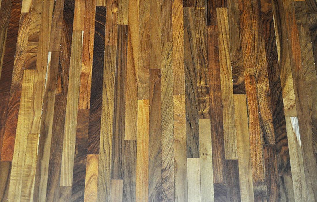Wood block flooring pod ogi z charakterem for Wood floor knocking block